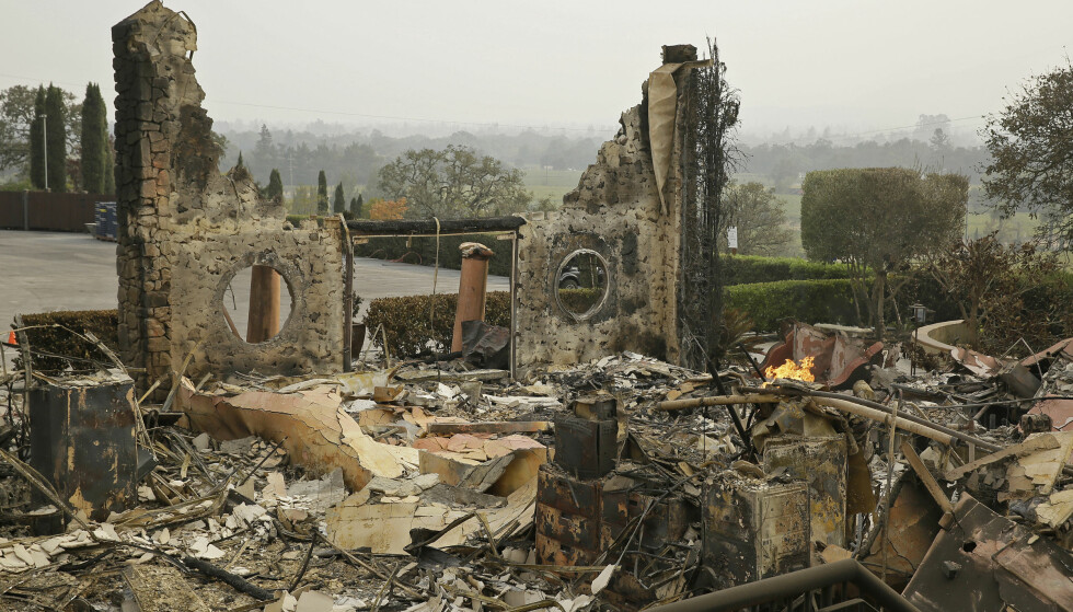 DRAMATISK: 42 mennesker mistet livet og 11 vingårder brant ned til grunnen i storbrannen i oktober. Foto: NTB SCANPIXPP