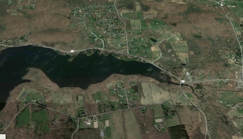 WINDSWEPT FARM: Eiendommen til Colley-paret, som også er åstedet, ligger rett over 116-skiltet på bildet. Foto: Google Maps