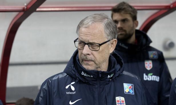SLITER: Trener Lars Lagerbäck har en tøff jobb med å få dreis på Norge. Foto: Terje Bendiksby / NTB scanpix