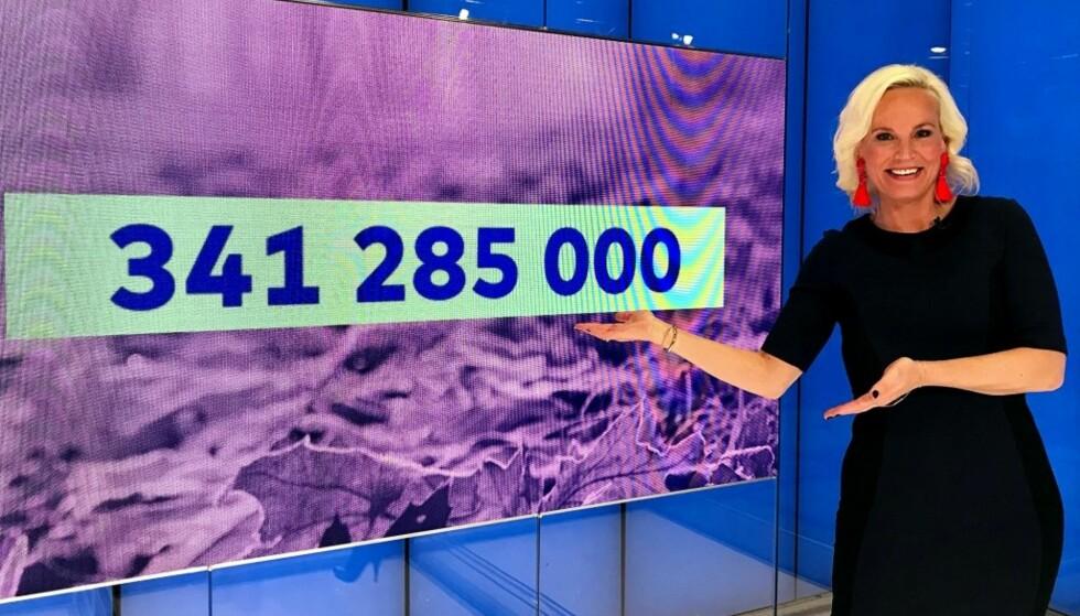 341 285 000 MILLIONER KRONER: En nordmann stakk i kveld av med denne førstepremiepotten i Vikinglotto. Foto: Norsk Tipping