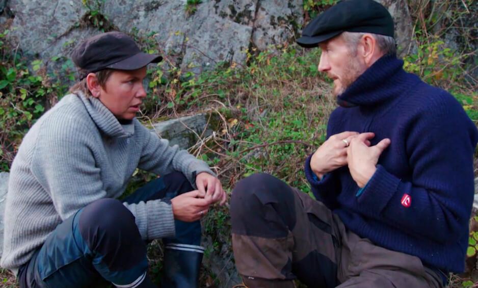 ÅPENHJERTIG: I onsdagens episode av «Farmen» snakker Eunike Hoksrød (39) og Geir Magne Haukås (47) dypere om sitt forhold til religion, som for lengst har vist seg å være vidt forskjellig. Foto: TV 2