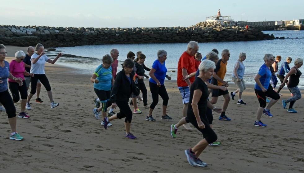 OPPVARMING PÅ STRANDA: En uke på treningssamling på Gran Canaria inspirerer til den jevne treningen i hverdagen. Foto: Oddvar Hesjedal