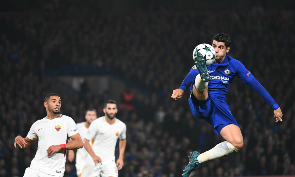 FLYR HØYT OM DAGEN: Alvaro Morata står med sju scoringer på ni ligakamper for Chelsea. Foto: Javier Garcia/BPI/REX/Shutterstock/NTB Scanpix