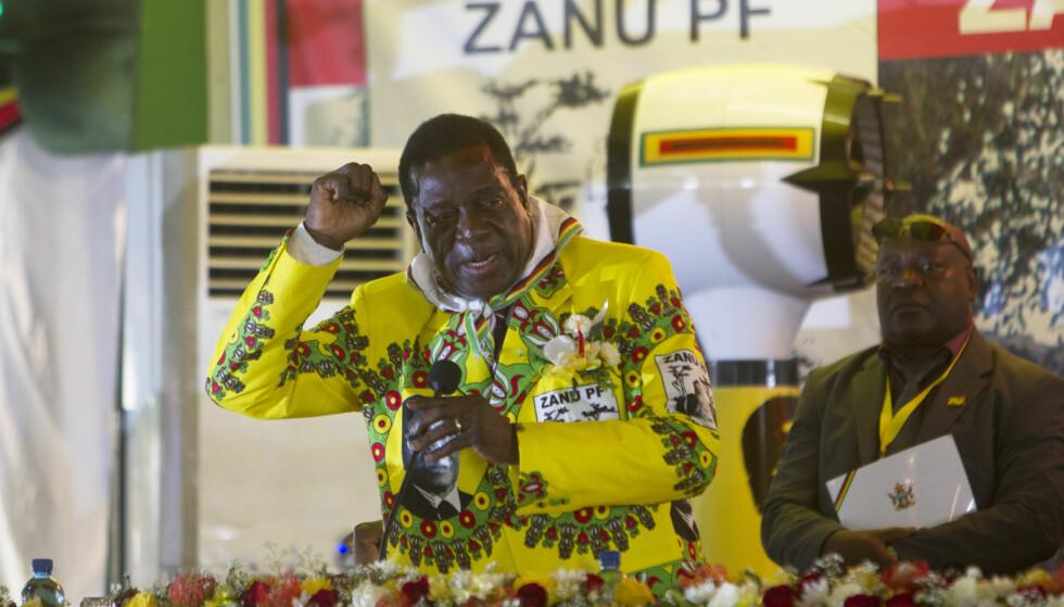 MULIG NY LEDER? «Krokodillen» Emmerson Mnangagwa (75) har stått ved president Mugabes side siden Zimbabwe ble et selvstendig land. Nå kan han bli president, dersom Mugabe trekker seg. Foto: NTB Scanpix