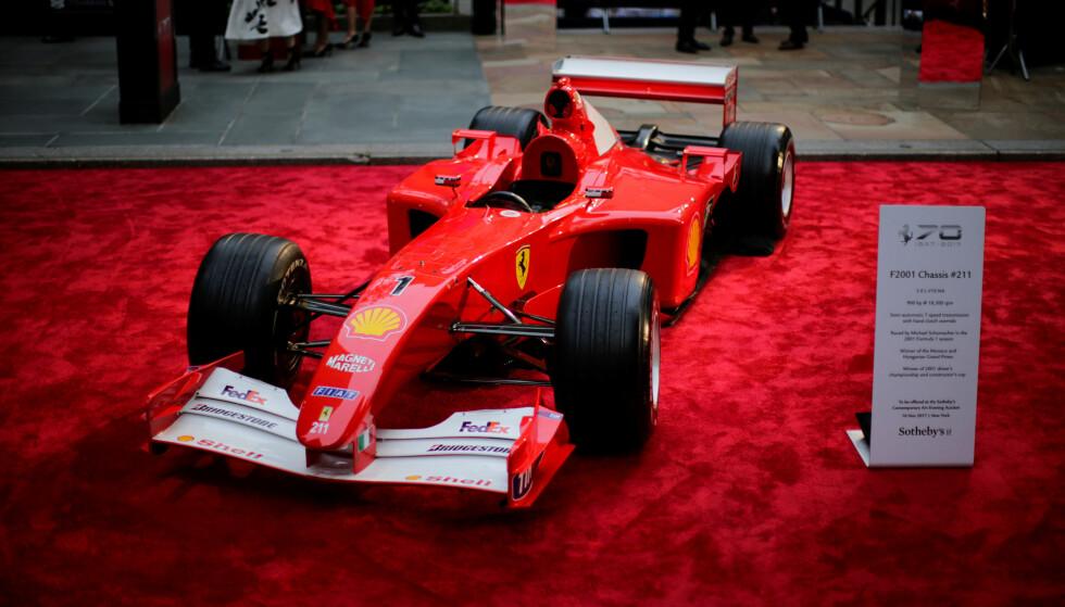 DYR BIL: Michael Schumachers Formel 1-bil fra 2001 ble auksjonert bort torsdag. Foto: REUTERS/Eduardo Munoz
