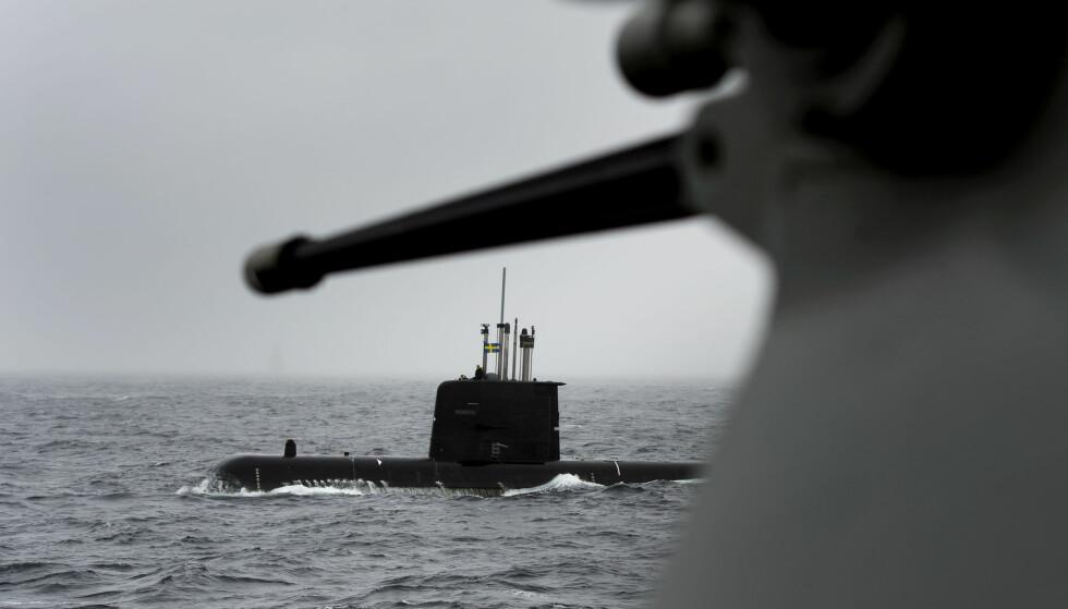 - SVEKKET ALLIANSE: Fra NATO sin ubåtøvelse Exercise Dynamic Mongoose utenfor Bergen i 2015. Den svenske ubåten Gotland sett fra flaggskipet USS Viksburg. Foto: Marit Hommedal / NTB scanpix