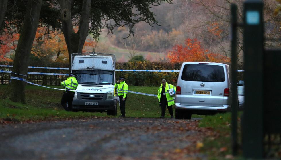 """KOLLISJON: Alle nødetatene har rykket til Waddesdon, i Buckinghamshire i England etter at et helikopter og et fly kolliderte i lufta i ettermiddag. Det meldes om """"flere omkomne"""" etter kollisjonen. Foto: Scanpix"""