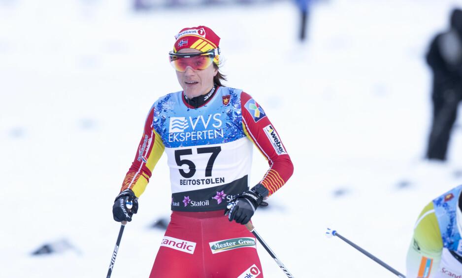 DROPPER SPRINTEN: Heidi Weng under åpningsrennet på Beitostølen 10 km kvinner. Foto: Terje Pedersen / NTB scanpix