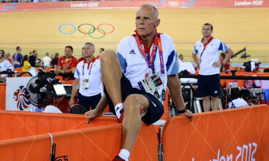 KONTROVERSIELL: Shane Sutton måtte trekke seg fra British Cycling etter diskriminerinsanklager. FOTO: AFP PHOTO / CARL DE SOUZA