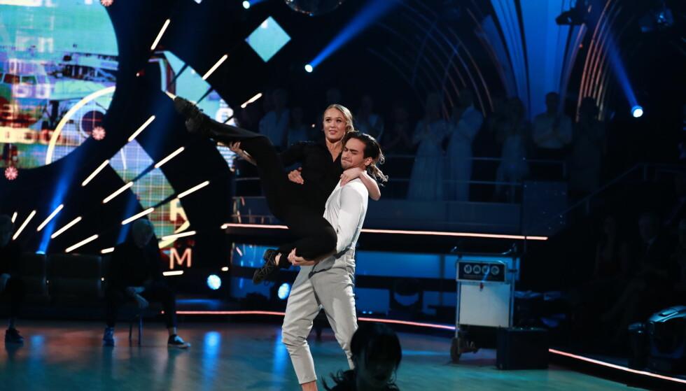 KJÆRESTER: Cengiz og Maiken imponerte sammen lørdag kveld. Foto: TV 2