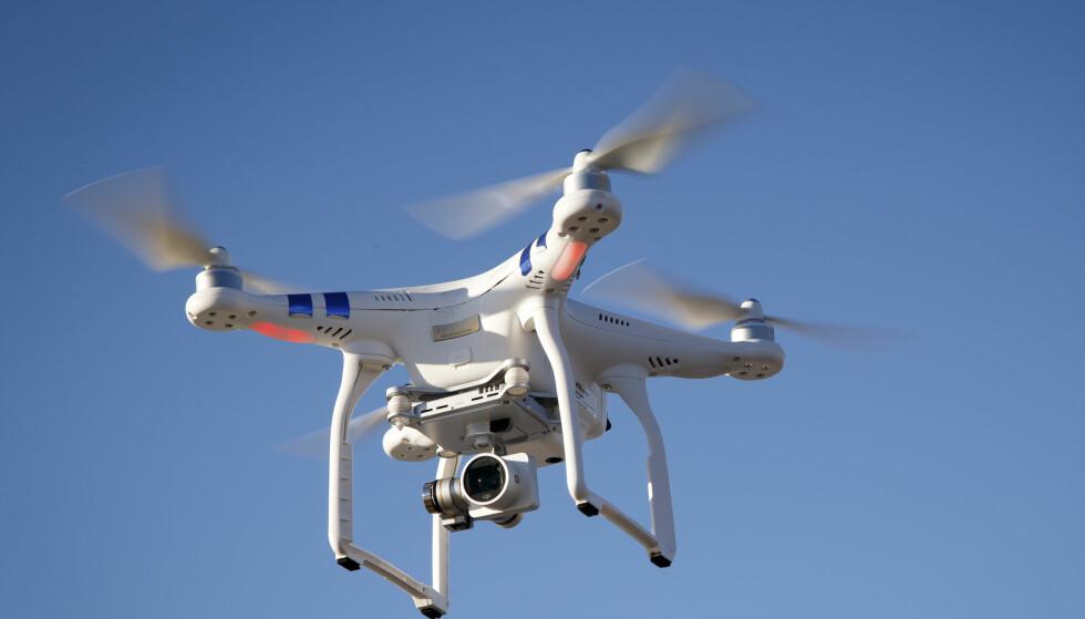 Varsler anmeldelse: Avinor-direktør Henning Bråtebæk varsler at Avinor vil anmelde enhver sak hvor en drone utgjør fare for flytrafikken Foto: Heiko Junge / NTB scanpix
