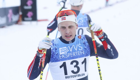 BEST: Simen Hegstad Kruger viste enorm styrke da han vant dagens 15 km fristil suverent. Foto: Terje Pedersen / NTB scanpix