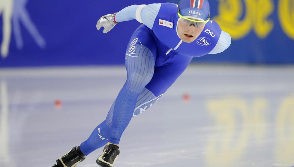 SKØYER: Sverre Lunde Pedersen har hatt en god helg. Søndag gikk han inn til ny personlig rekord på 10 000 meter. Foto: AP Photo/Peter Dejong)