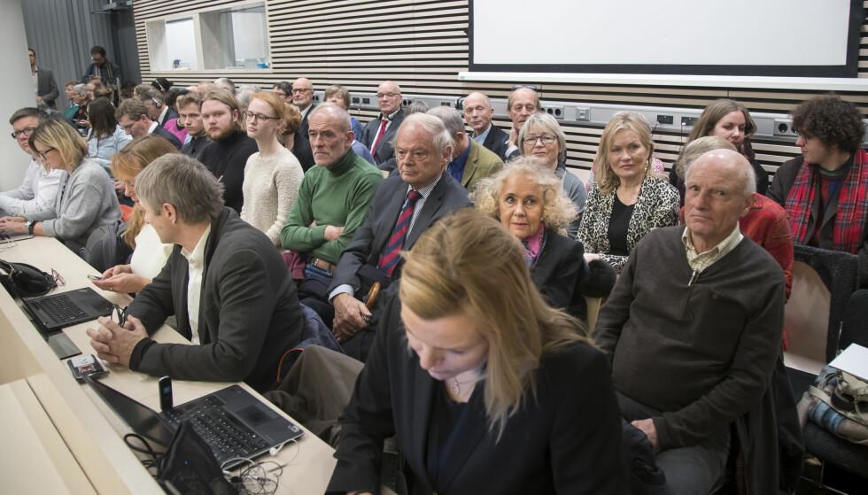 KLIMASØKSMÅL: Rettssal 250 i Oslo tingrett var smekk full tirsdag forrige uke, da rettssaken som Greenpeace, Natur og Ungdom og Besteforeldrenes klimaaksjon har anlagt mot staten startet. Foto: Heiko Junge / NTB scanpix