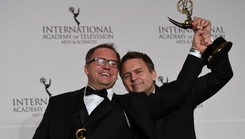 PRISVINNERE: Brødrene Vegard Stenberg Eriksen og Gjermund Stenberg Eriksen står bak NRK-serien «Mammon». Foto: AP / NTB Scanpix