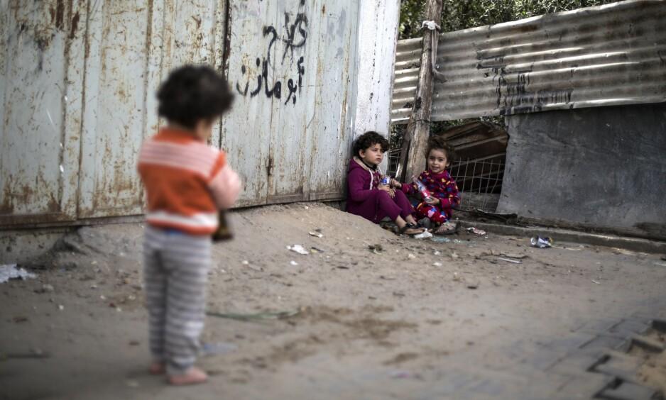 STOR FATTIGDOM: Etter ti år med blokade, okkupasjon, kriger, høy arbeidsledighet og dårlig infrastruktur er fattigdommen stor på Gazastripen. Foto: Mahmoud Issa / ZUMA Press / Splash News / NTB Scanpix