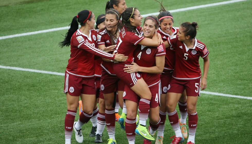 MEXICO: Veronica Perez (i midten) og andre landslagsspillere får ikke delta i den nyoppstartede ligaen for kvinner. Det skaper reaksjoner blant spillerne. Foto: Matt Kryger-USA TODAY Sports