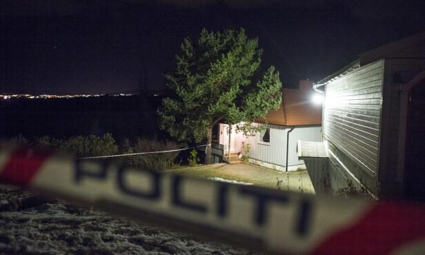 AVSPERRET: Området rundt den drepte kvinnens bolig i bygda Øyjorda er sperret av mens etterforskningen pågår.   Foto: Hans Arne Vedlog / Dagbladet