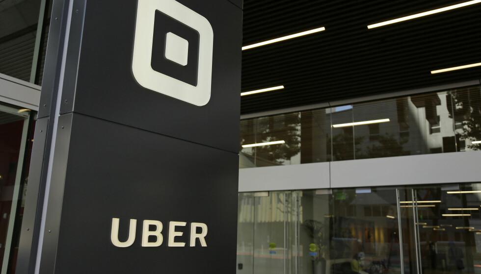 HACKET: Både sjåfører og Uber-kunder har blitt hacket, bekrefter selskapet. Dette er Ubers hovedkvarter i San Francisco i USA. Foto: AP / NTB Scanpix