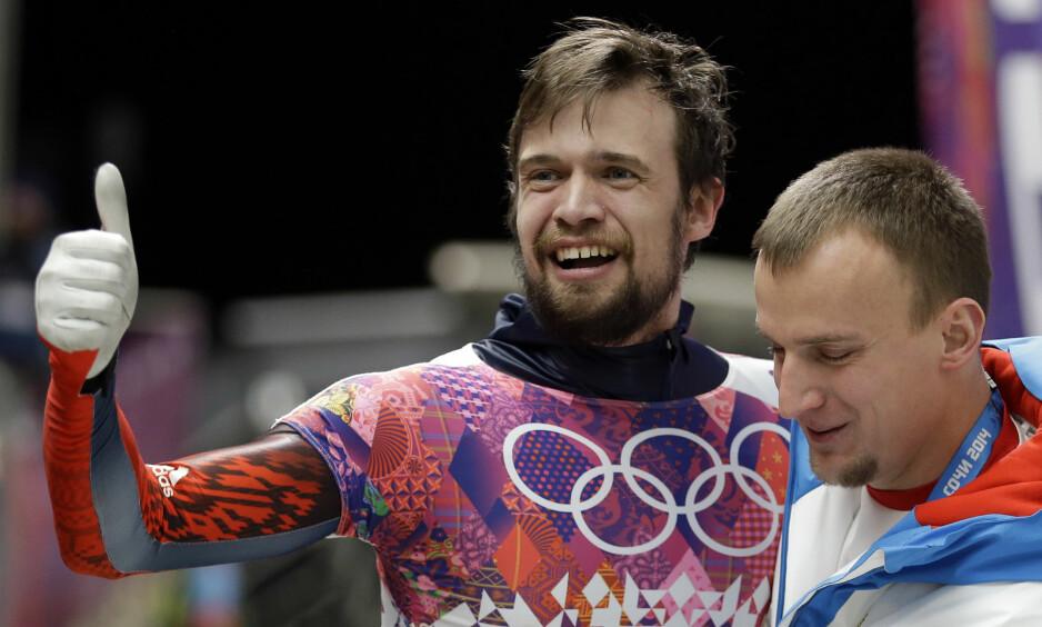 MISTER GULLET: Skeleton-utøveren Aleksandr Tretiakov mister OL-gullet sitt fra Sotsji i 2014. Foto: Natacha Pisarenko / AP Photo / NTB Scanpix