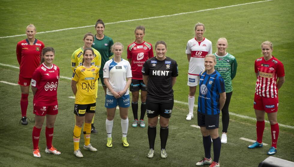 FORSVINNER: Fire av de norske spillerne på dette bildet er klar for proffotball i utlandet. Her fra presentasjon av årets spillere i Toppserien 2017. Foto: Hans Arne Vedlog / Dagbladet