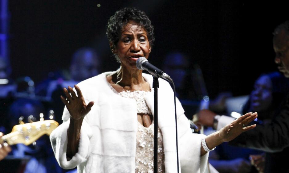 ER IKKE DØD: En falsk Twitter-konto delte tirsdag at dronningen av soul, Aretha Franklin, skal ha gått bort. Det stemte ikke. Foto: NTB Scanpix