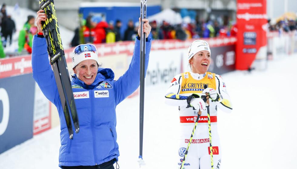 SEKUNDSTRID: Marit Bjørgen slo Charlotte Kalla med 17 sekunder i mål. Men underveis var det en skikkelig duell mellom de to. Foto: Terje Pedersen / NTB scanpix