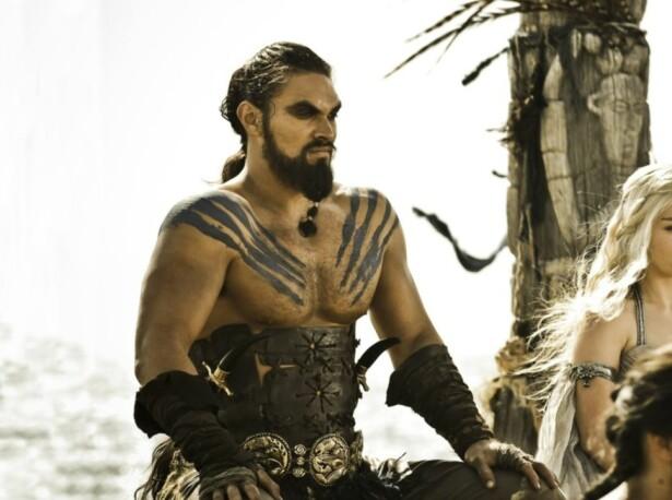 «GAME OF THRONES»: Jason Momoa spilte rollen som den barbariske hestekongen Khal Drogo i fantasyserien. Foto: HBO