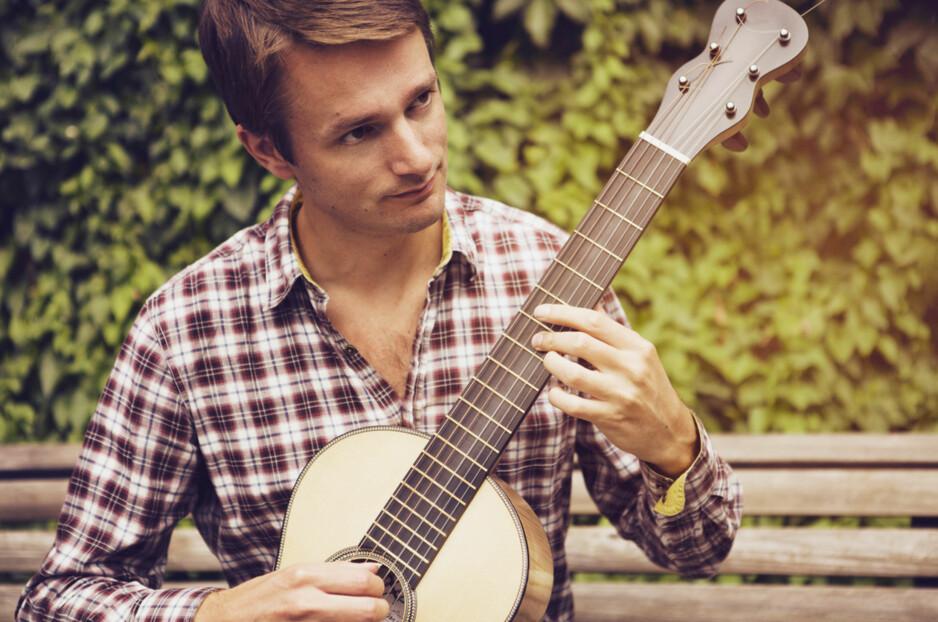 """RUNAR KJELDSBERG er internasjonalt kjent for sine """"magiske"""" gitarfingre. I fem år har han vært på jakt etter de skjulte skattene etter komponisten Francois de Fossa (1775-1849). Mye av det han har funnet, er nå spilt inn på plate for første gang."""