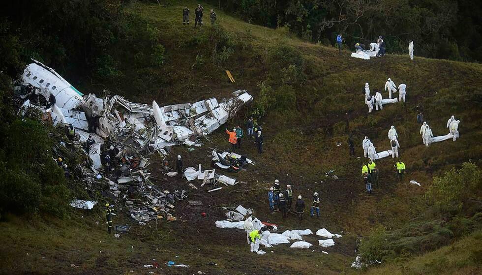 FLYVRAKET: 71 mennesker døde da LaMia Airlines Flight 2933 krasjet like utenfor colombianske Medellin. Foto: Raul Arboleda / AFP Photo / NTB Scanpix