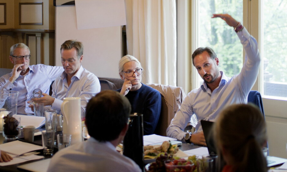 ENDRER: Kronprinsparets Fond har bestemt seg for å endre gavepraksis. Styreleder Odd Christopher Hansen til venstre. Foto: Agnete Brun / Dagbladet