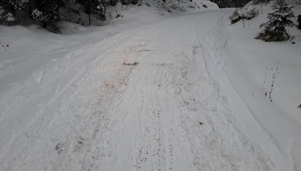 GRUS: Søppelbilen har dratt med seg mye grus som til vanlig ligger under snøsåla. Foto: Bymiljøetaten