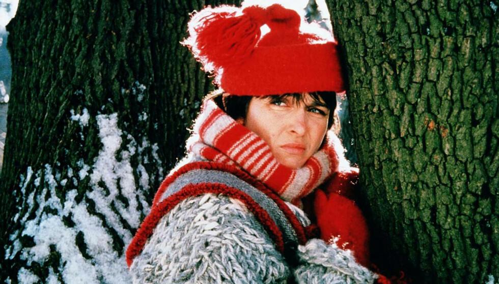Pia Borgli som Nisseungen i «Amalies jul». Foto: NRK