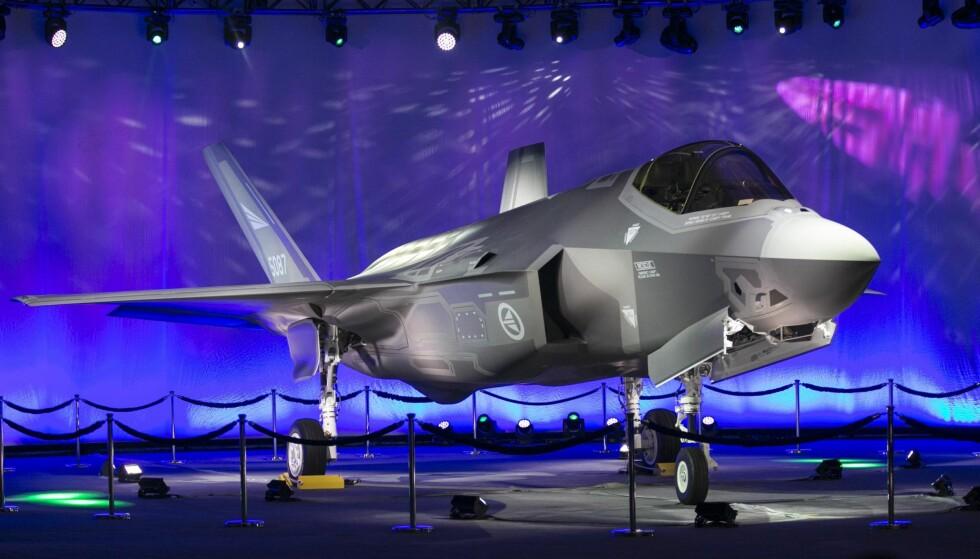 FF-35: Norges første F-35 kampfly ble rullet ut på Lockheed Martin-fabrikken i Fort Worth i den amerikanske delstaten Texas for to år siden. Men skal Norge ha 40 eller 52 fly? 40 holder, mener kronikkforfatteren. bFoto: Laura Buckman / NTB Scanpix