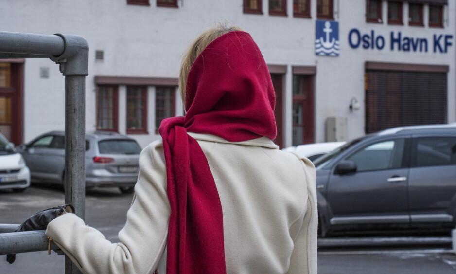 TØFFE DAGER: Denne kvinnen ble oppsagt av sin arbeidsgiver Oslo Havn. Hun har fått medhold i retten på at oppsigelsen er ugyldig, men har fortsatt ikke fått tilbake stillingen sin. Foto: Hans Arne Vedlog / Dagbladet.
