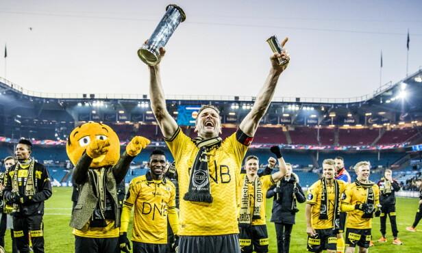 SEIERSBRØLET: Frode Kippe scoret 3-1-målet til Lillestrøm, før han minutter etter var uheldig og scoret selvmål. Foto: Christian Roth Christensen / Dagbladet