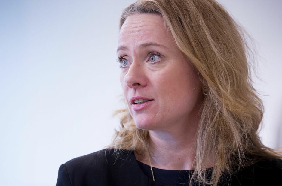 KLØPET BAK: - Det har vært slibrige kommentarer og klyp i rumpa, sier arbeids- og sosialminister Anniken Hauglie, som nå varsler økt innsats mot seksuell trakassering i arbeidslivet. Foto: NTB/Scanpix