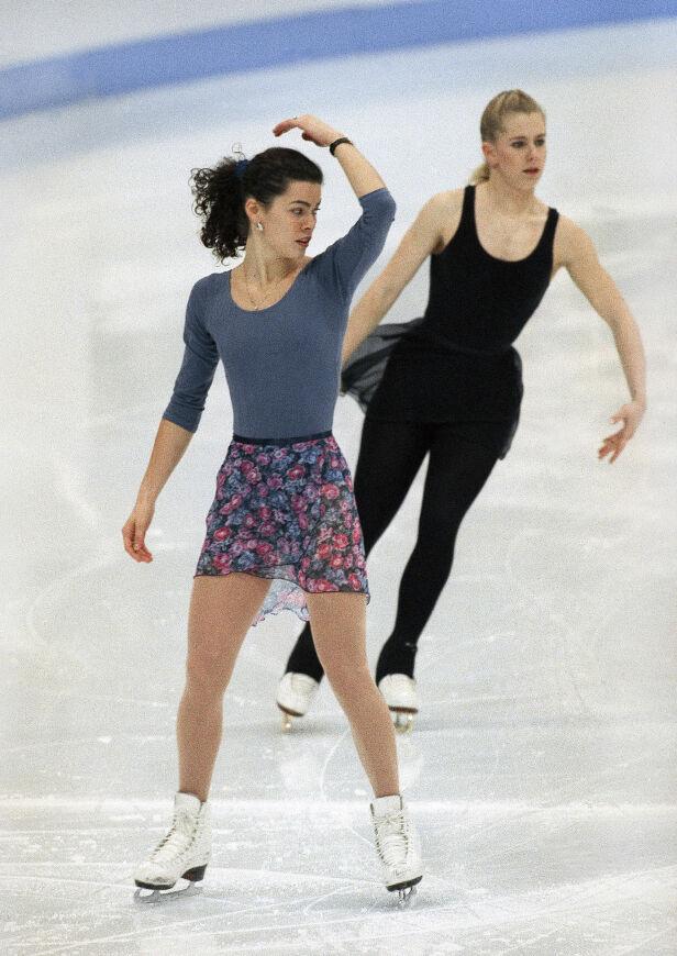 RIVALER: Tonya Harding så Nancy Kerrigan som sin største rival i kampen om OL-gull på Lillehammer. Da sistnevnte ble brutalt overfalt, ble mistanken om hvem som sto bak, raskt rettet mot Harding. Foto: NTB Scanpix