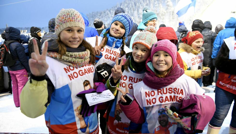 RUSSERNES ARGUMENT: OL blir ikke det samme uten Russland. Eller som kampanjen #norussianogames klart sier det med de glade unge russiske tilskuerne på renn i finske Ruka forleden: Uten Russland, ikke noe OL. FOTO: Martti Kainulainen/REUTERS