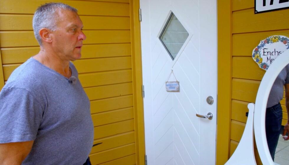 VEMODIG: «Jakten»-bonden Rolf drar hjem til frier Kristin for å avvise henne, i stedet for å ta henne med på utenlandstur. Foto: TV 2