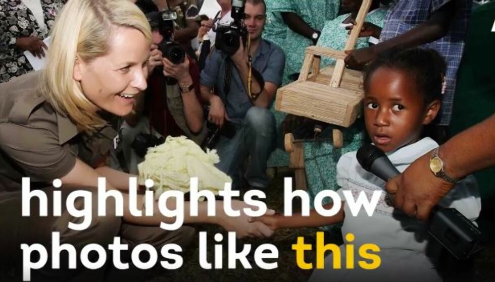 BRUKES SOM EKSEMPEL: Dette pressebildet fra kronprinsesse Mette-Marits reise i Malawi i 2005 ble brukt av nyhetskanalen Al Jazeeras videonettsted AJ+, som et eksempel på «hvit frelser-syndrom». FOTO: Skjermdump AJ+/Getty Images