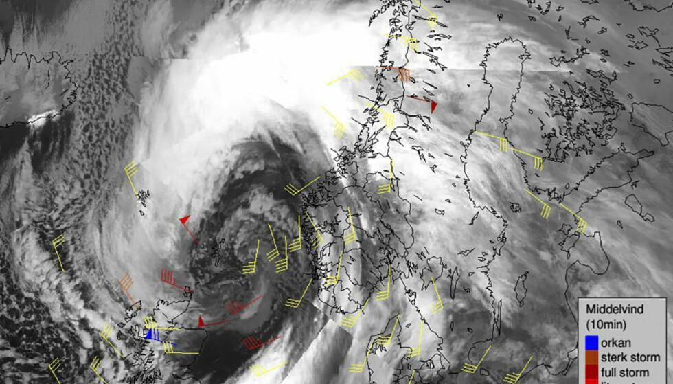 STORMEN AINA: Ekstremværet Aina er på full vei mot Rogaland, Hordaland og Sogn og Fjordane. Hun har allerede gjort store skader flere steder på Vestlandet. Foto: Meteorologene