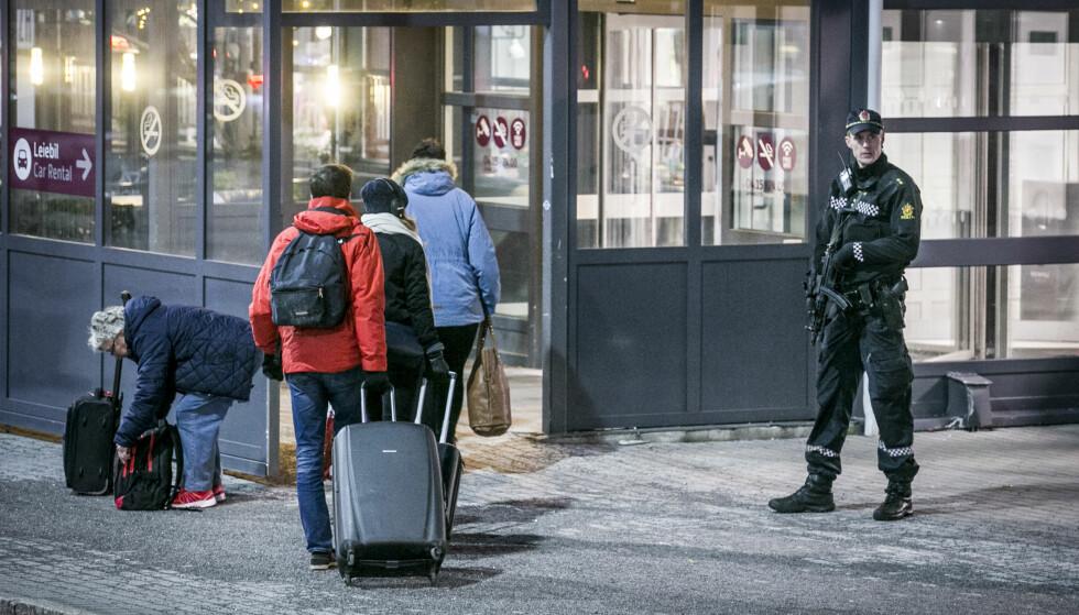 TRAFIKK SOM NORMALT: Flytrafikken skal gå som normalt på Torp på tross av politioppbudet. Foto: Trond Reidar Teigen / NTB scanpix