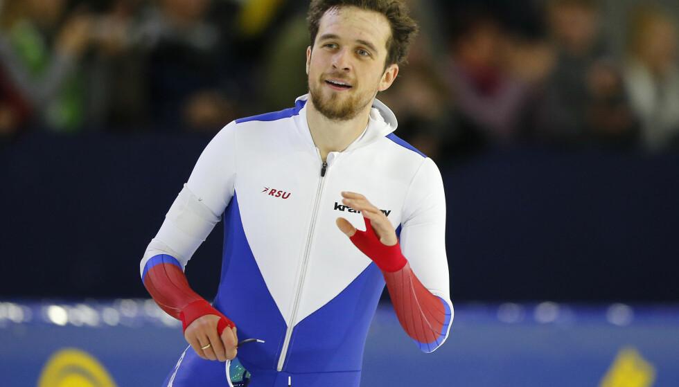 I SUPERFORM: Hvis Denis Juskov får klarsignal av IOC til å delta i OL i Pyeongchang, er han en stor gullfavoritt. I går satt han verdensrekord på 1500 meter. I kveld overrasket han med en seier også på 1000 meter. Foto: NTB Scanpix
