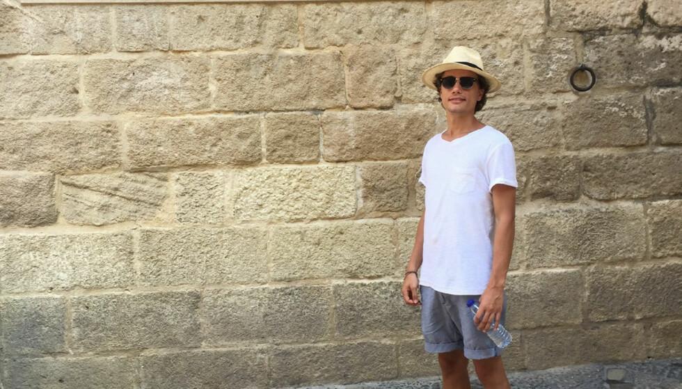 VIL STUDERE: Adrian Falch Karlsen har planer om å begynne å studere til høsten neste år. Foto: Privat