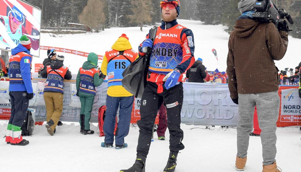 EN ELENDIG DAG: Martin Johnsrud Sundby hadde ingenting å spa på med, og endte på tjuendeplass i Davos søndag. Nå endrer han sesongplanen. Foto: JON OLAV NESVOLD / Bildbyrån