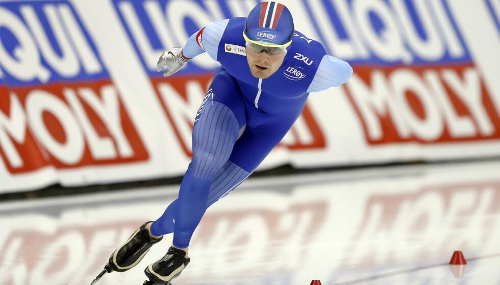 SKØYTER: Sverre Lunde Pedersen under 5000 meteren i Salt Lake. Nordmannen gikk inn til ny norsk rekord på distansen Foto: AP Photo/Rick Bowmer