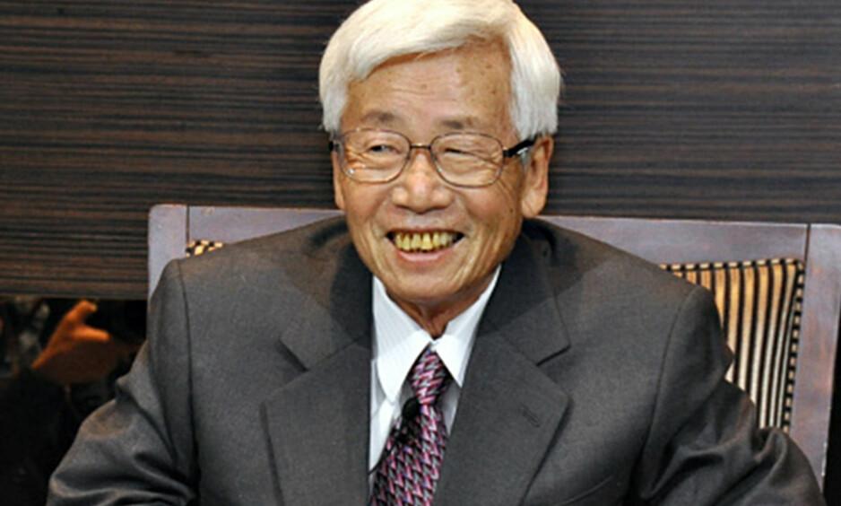 KREFTSYK: Satoru Anzaki (80) bestemte seg for å ta regi på avslutningen. Ingen cellegift og avslutningsfest ble resultatet. Foto: Kyodo News / Getty Images