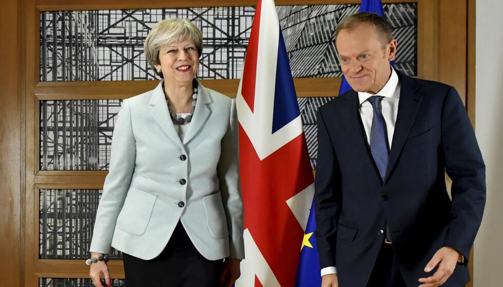 I FORHANDLINGER: Storbritannias statsminister Theresa May og EU-president Donald Tusk. Foto: AP Photo/Geert Vanden Wijngaert/NTB Scanpix