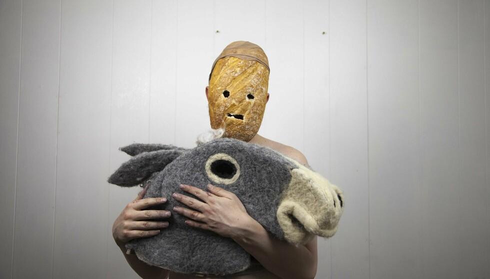 ALLSIDIGE: Det er performancegruppa Gunnar Wærness og Henrik Skotte som står bak pseudonymet Brødet og Eselet. Foto: OKTOBER